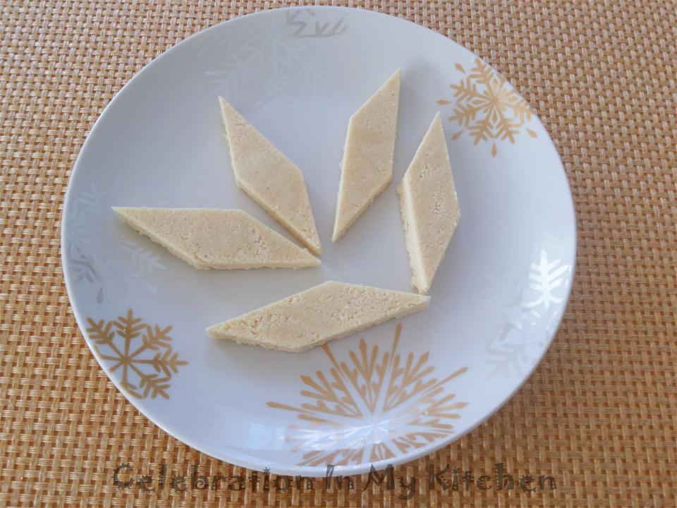 Doce de Grão (Coconut and Bengal Gram Sweet)