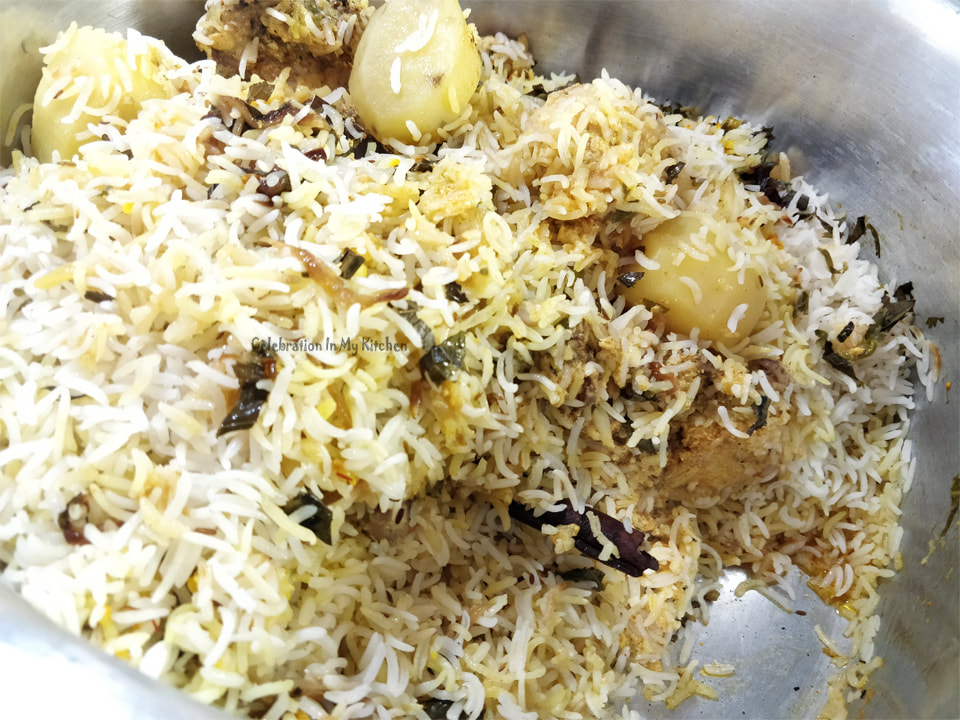 Charcoal Smoked Chicken Kacchi Biryani